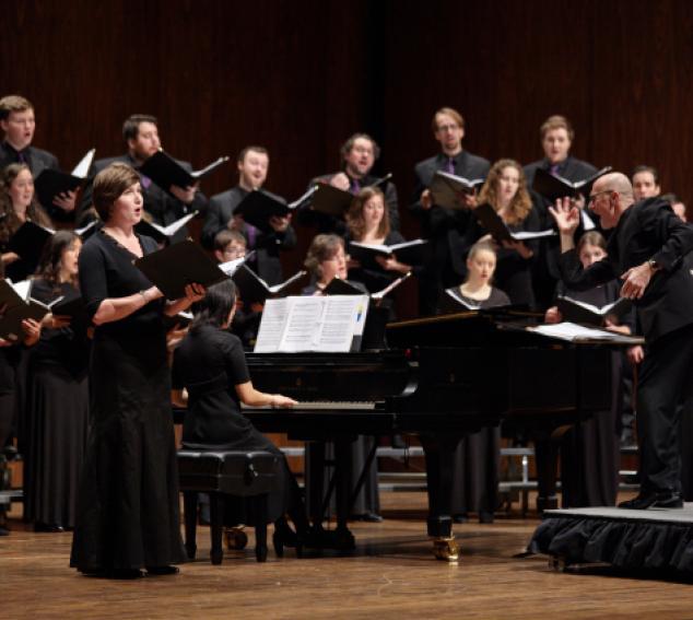 Geoffrey Boers conducts the UW Chamber Singers (photo: Steve Korn).
